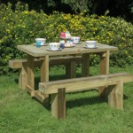 picnic bench wooden